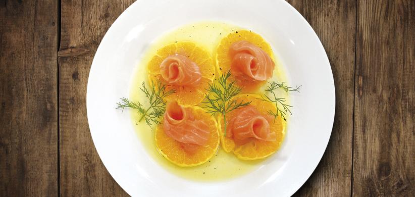 Lososový šalát s pomarančom