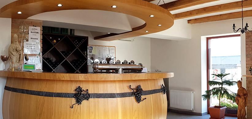 Vinohradnícko-vinárske družstvo Karpaty